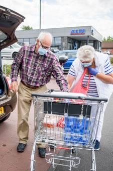 Supermarkten stellen geen mondkapjesplicht in: klanten mogen zelf kiezen om 'discussies' te voorkomen