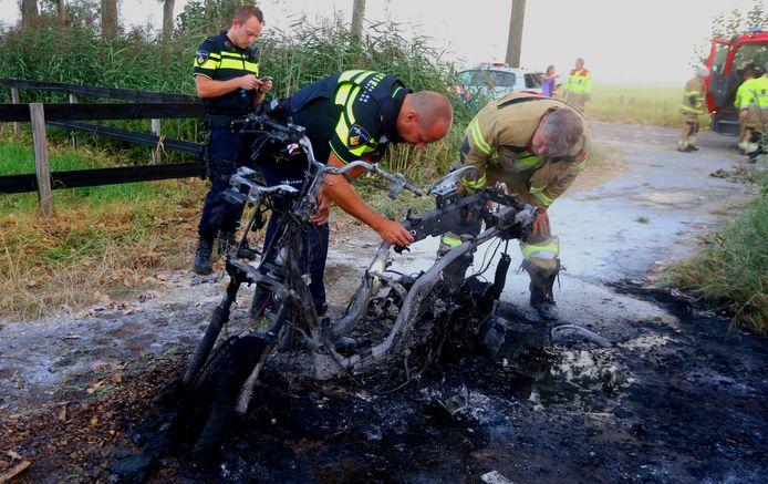 Motorscooter uitgebrand in Rosmalen.