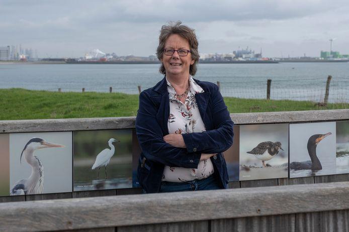 Elly Lijnse (60) heeft werk gevonden als beleidsadviseur in de zorg, een sector die ze tot nu over het hoofd had gezien in haar zoektocht naar een baan.