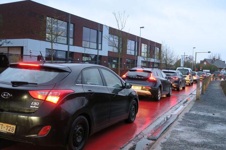 Het buurtcomité hield een steekproef van de verkeersstromen in de wijk.
