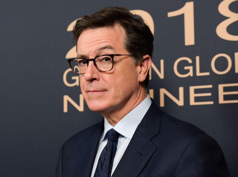 """Komiek Stephen Colbert, gastheer van 'The late show', nomineerde zichzelf via een grote affiche op Times Square in New York in """"alle categorieën"""", ook die voor """"Meest valse oneerlijkheid"""", """"Meest corrupte valsheid"""" en """"Kleinste knop""""."""