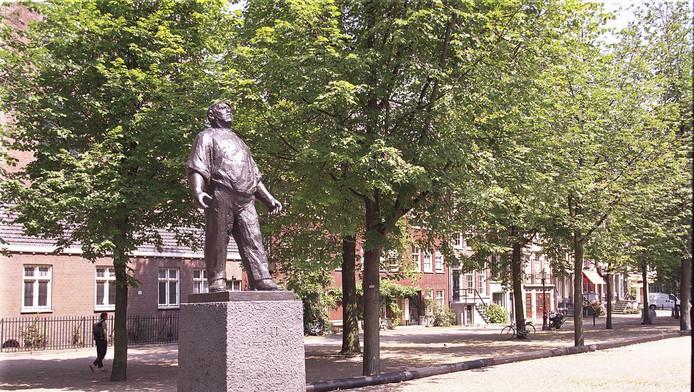 De Dokwerker, het monument dat in 1952 werd onthuld ter nagedachtenis aan de Februaristaking.