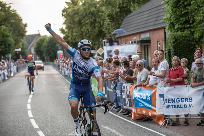 Coen Vermeltfoort wint de Ronde van Luyksgestel