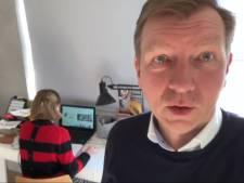 Burgemeester Veenendaal filmt thuiswerkplek: 'Proberen het leven door te laten gaan'