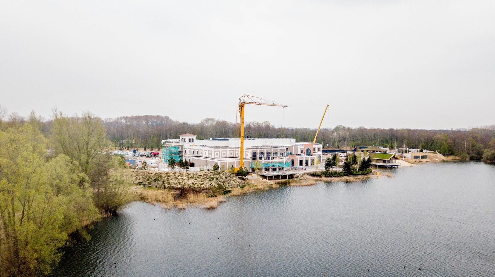 De bouw van Thermen de Berendonck is bijna voltooid.
