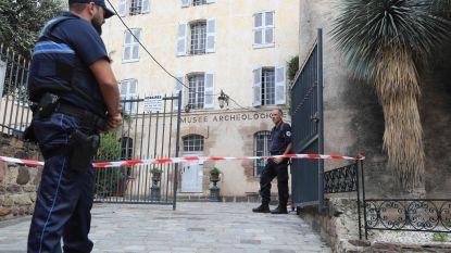 Man verschanst zich in museum in Zuid-Franse Saint-Raphaël en bekladt muren met Arabische inscripties