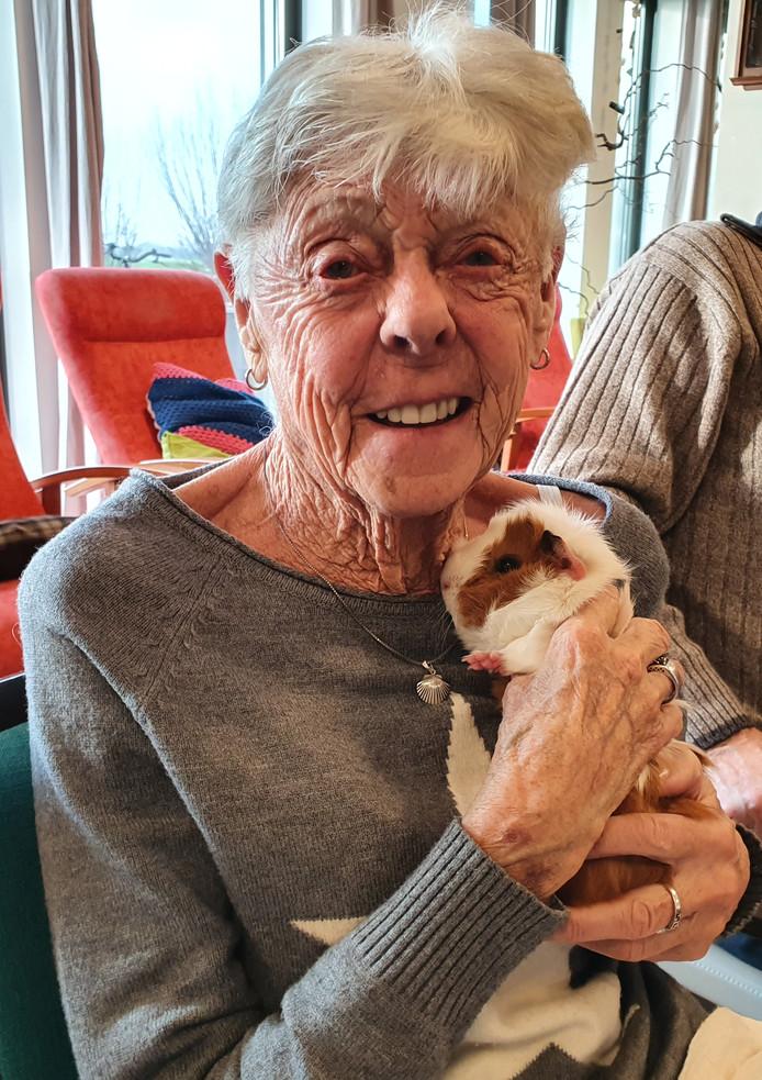 Het Natuurcentrum wil vaker dieren meenemen naar ouderen in zorginstellingen.