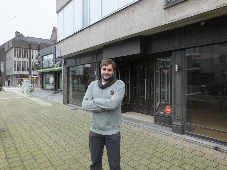 Bart Vandekerckhove aan zijn toekomstige horecazaak Foodbar't.