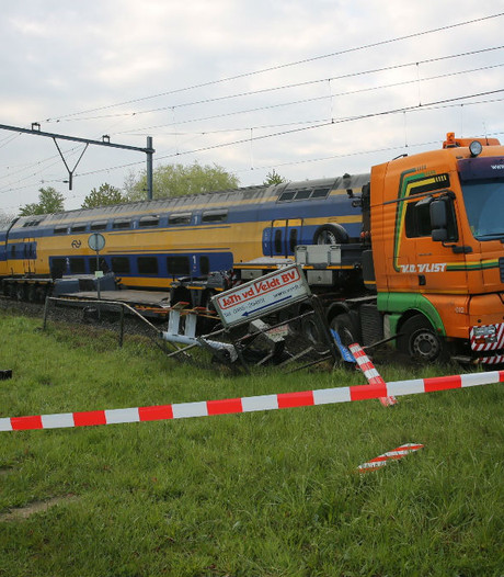 Trein ontspoort na aanrijding bij Wouw: geen treinen maar bussen tussen Roosendaal en Bergen op Zoom