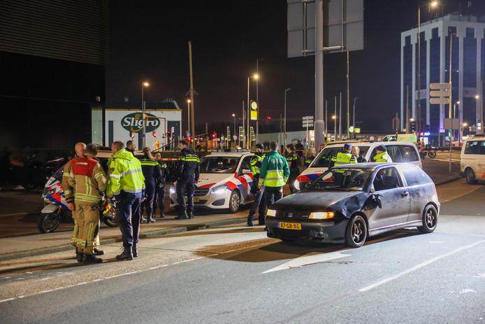 Het slachtoffer is zwaargewond naar het ziekenhuis gebracht.