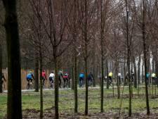 Met modder besmeurd puur geluk: vierhonderd fietsers doen mee aan Zuid-Veluwetocht