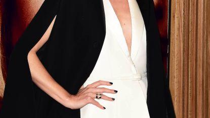 """Charlize Theron getuigt over het moment waarop haar moeder haar vader doodde: """"Het was pure zelfverdediging"""""""