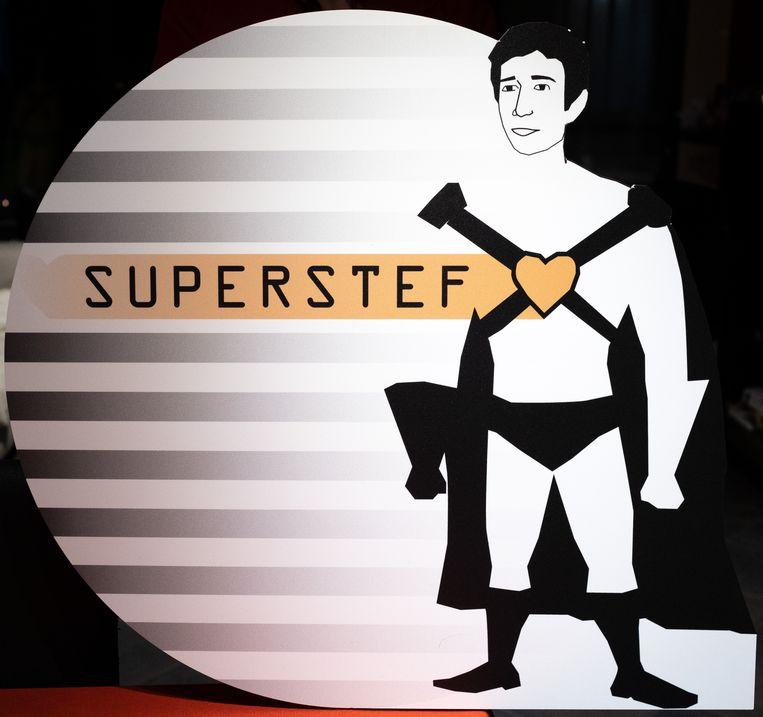 Stef Lauwers overleed in juni 2017 aan Acute myeloïde leukemie (AML). Zijn ouders Geert en Nancy richtten het fonds SuperStef op en verkopen nav De Warmste Week snoepzakjes.