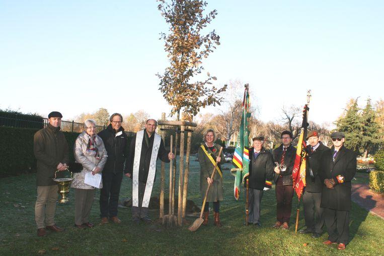 Het planten van een vredesboom gaat terug op een eeuwenoude traditie.