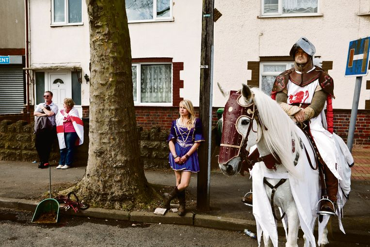 GB. England. West Bromwich. The Black Country. An area in the midlands, The Black Country gained its name in the mid nineteenth century due to the smoke from the many thousands of ironworking foundries and forges. A St George's Day Parade. 2010. Beeld Martin Parr/Magnum Photos