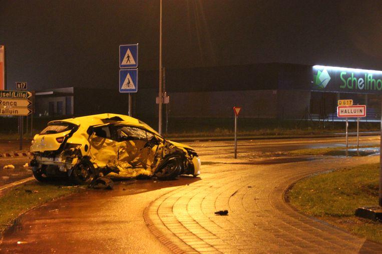 De Renault van het slachtoffer was zwaar beschadigd.