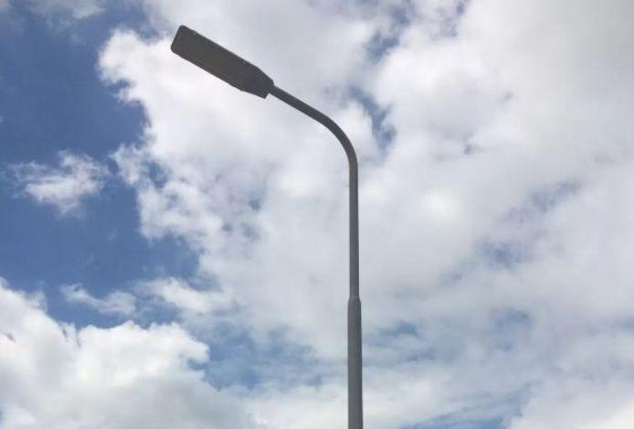 De lantaarnpaal in de Hoogstraat.