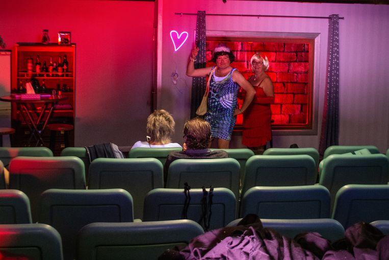 De Rosiers laten het toneel spelen even achterwege om een quiz te organiseren.