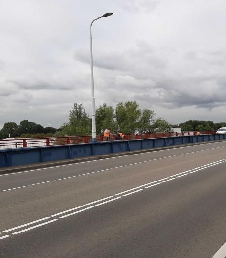 Fietspad van Stadsbrug richting Dordrecht dicht voor herstelwerk