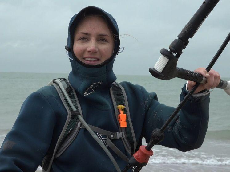 Annelous kitesurft tweehonderd kilometer voor ALS