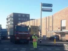 Gaat niet lukken, prutser!' Vrachtwagens blijven zich klemrijden in Bergen op Zoom