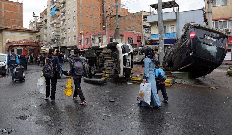 Bewoners van Diyarbakir verlaten hun huizen Beeld epa