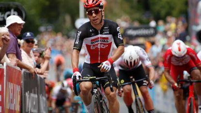 Caleb Ewan wint tweede etappe Tour Down Under, vrees voor sleutelbeenbreuk Hermans na valpartij
