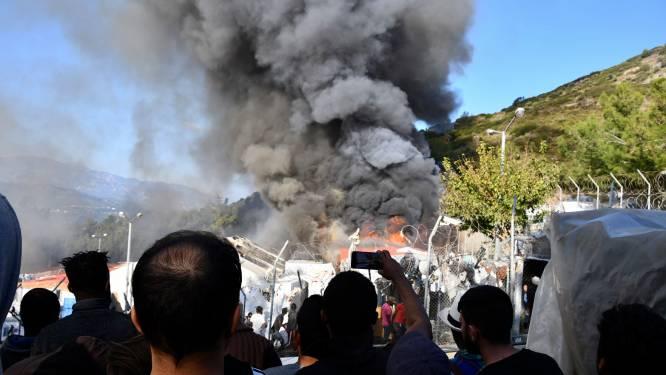 """Tweede brand in migrantenkamp op Samos in twee weken: """"Gasflessen in keuken ontploft"""""""