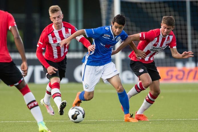 Zija Azizov debuteerde dit seizoen voor FC Den Bosch in de uitwedstrijd tegen Jong PSV (5-4-verlies), waarin hij meteen ook tot scoren kwam.