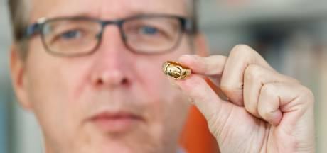 De Nederlandse 'Indiana Jones van de kunstwereld' vindt verdwenen ring Oscar Wilde