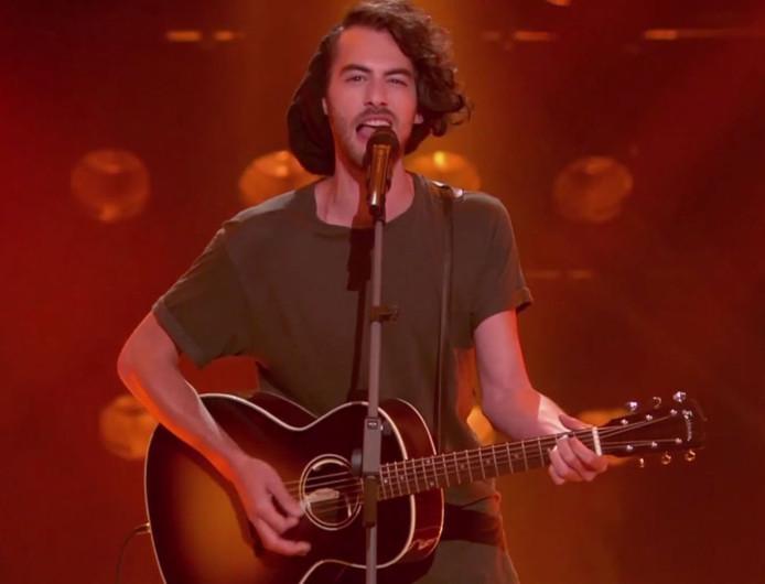 Tom Schraven in The Voice.