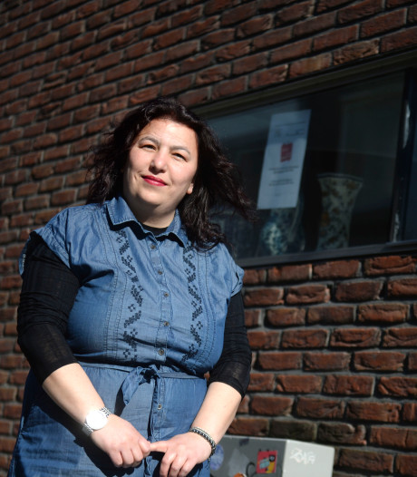 Bladenbezorger van Museum Hengelo: 'We brengen ze gewoon bij de mensen, corona of geen corona'