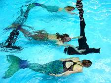 Weer zeemeerminnen bij Zwemvierdaagse