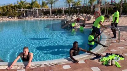 Na de inspanning, de ontspanning: Genkies koelen na pittige training af in zwembad