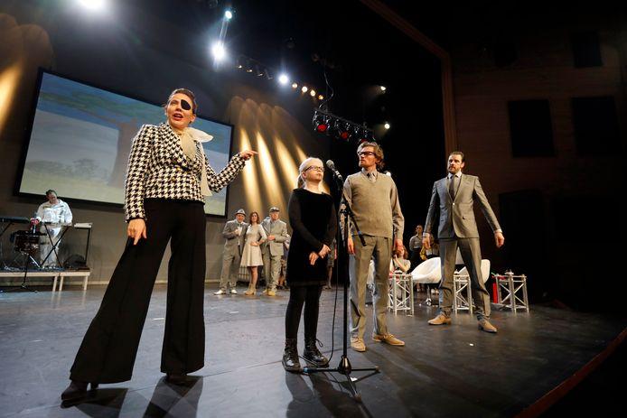 Een repetitie van De Kleine Prins(es), waarmee Theater aan de Schie en De Stokerij in 2019 het jaar afsloten.