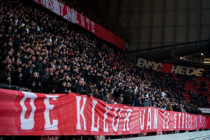 Twente Verenigt roept alle supporters op om massaal achter de club te gaan staan.