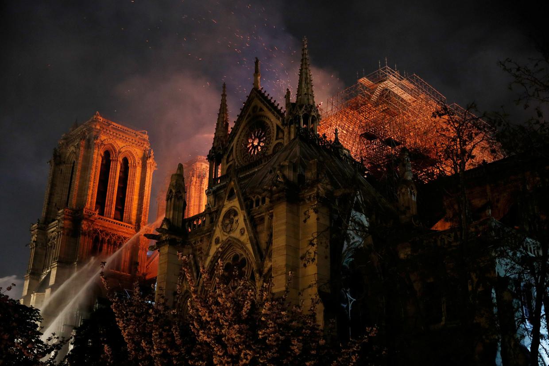 Notre Dame in Parijs op 15 april 2019.