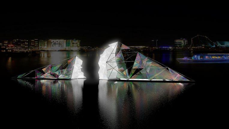 Als een glanzend bergkristal ligt Infinate in het Oosterdok Beeld Balmond Studio