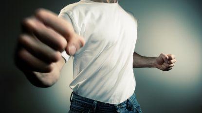 Dertiger slaat 18-jarige buurjongen van ex in elkaar 'om haar te beschermen': 1 jaar cel