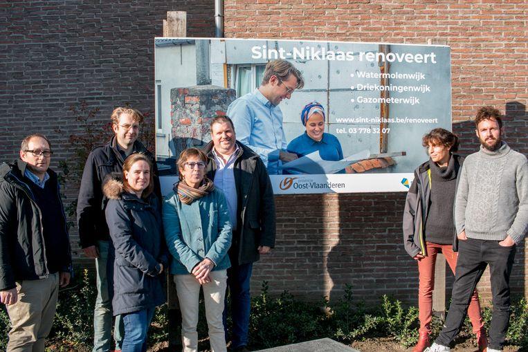 De stad en de provincie gaan met de organisatie RenoseeC van start met collectieve wijkrenovatietrajecten in Sint-Niklaas, om zoveel mogelijk woningen te renoveren.
