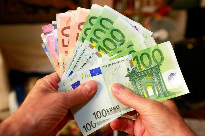 Avec 20.125 euros de moyenne, la Flandre affiche les meilleurs revenus du pays suivie par la Wallonie (17.672) et Bruxelles en bas de podium (14.668).