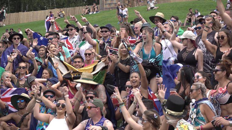 Honderden Australiërs verzamelden aan de mainstage op Tomorrowland.