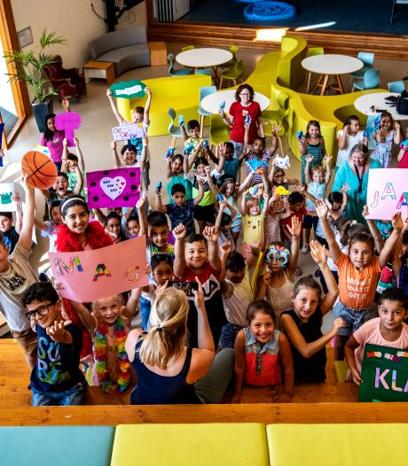 Meesters en juffen Kindcentrum Rivierenwijk in Deventer geven drie weken vakantie op voor unieke zomerschool