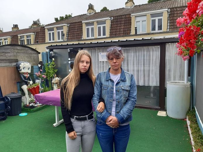 Emmanuella en nichtje Kiana zijn teleurgesteld.
