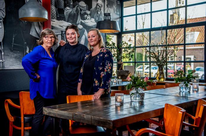 De Gouden Pollepel: Het Witte Hof - v.l.n.r; Donnie Diemel ( eigenaar ), Demi van Grieken ( Chef ), Babette Diemel (eigenaar).