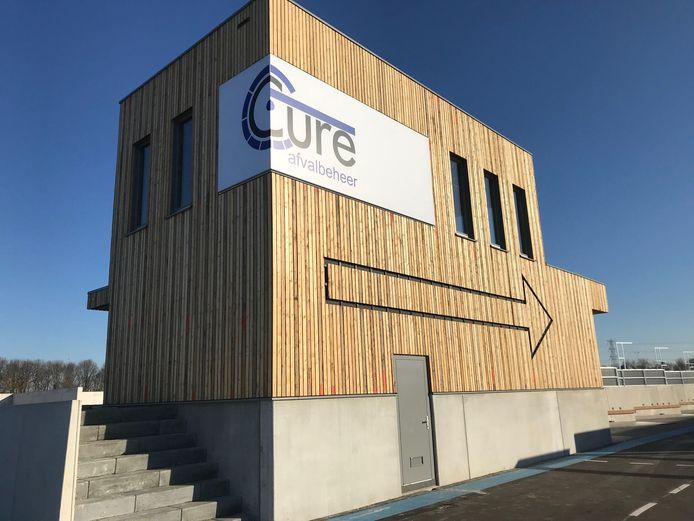 Het beheerdersgebouw bij de nieuwe milieustraat van Cure in Acht.