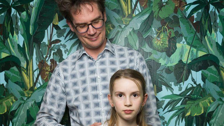 'Mijn dochter ziet het echt niet als een leuk dagje uit.' Peter Heijmen met dochter Lidewij Burgerhout Beeld Ivo van der Bent