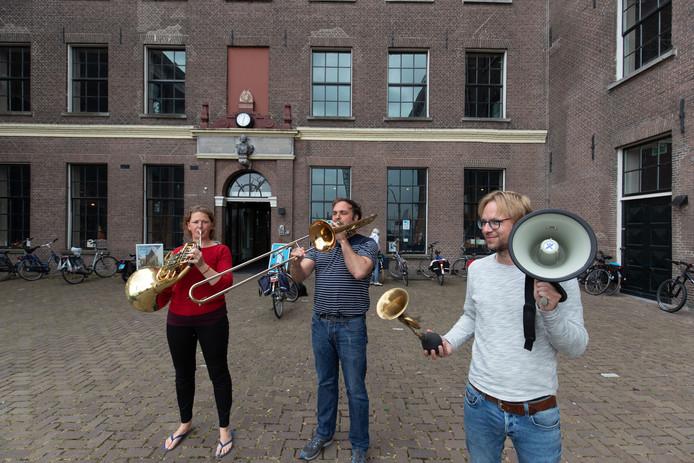 Het Pep ensemble maakt een tour door vier provincies, per fiets. Donderdag deed het Kampen aan.