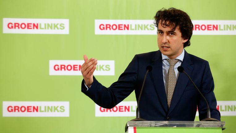 GroenLinks-Kamerlid Jesse Klaver tijdens een persconferentie waarin Bam van Ojik heeft aangegeven op te stappen als fractievoorzitter. Beeld anp