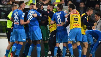 Dries Mertens en Napoli gooien titelstrijd weer open na zege tegen Juventus, ex-Genkenaar is grote held